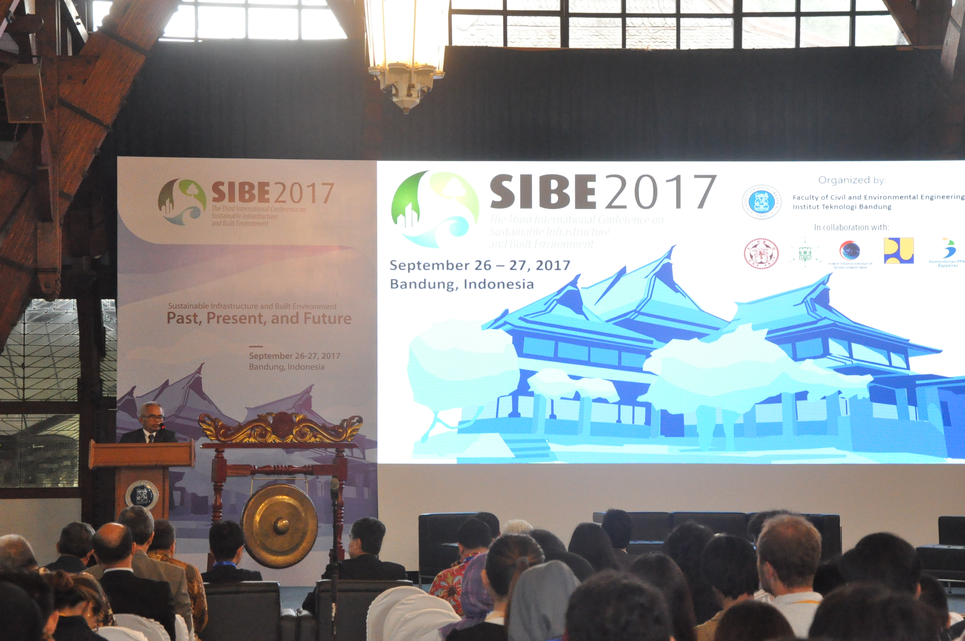 Konferensi Internasional Sustainable Infrastructure and Built Environment (SIBE) 2017