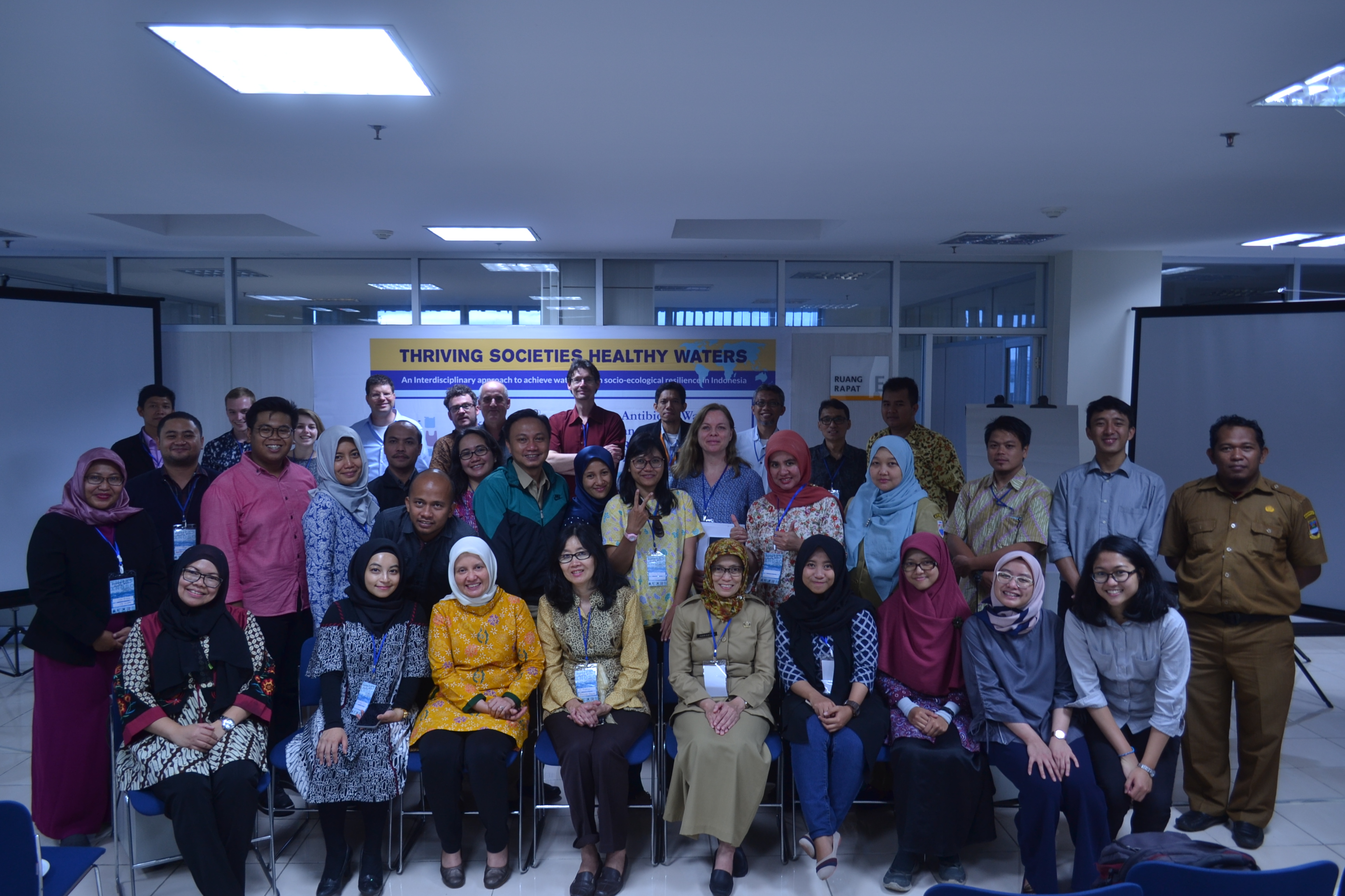 "Workshop ""Microplastic"" serta ""Antibiotic Waste and Antimicrobial Resistance""."